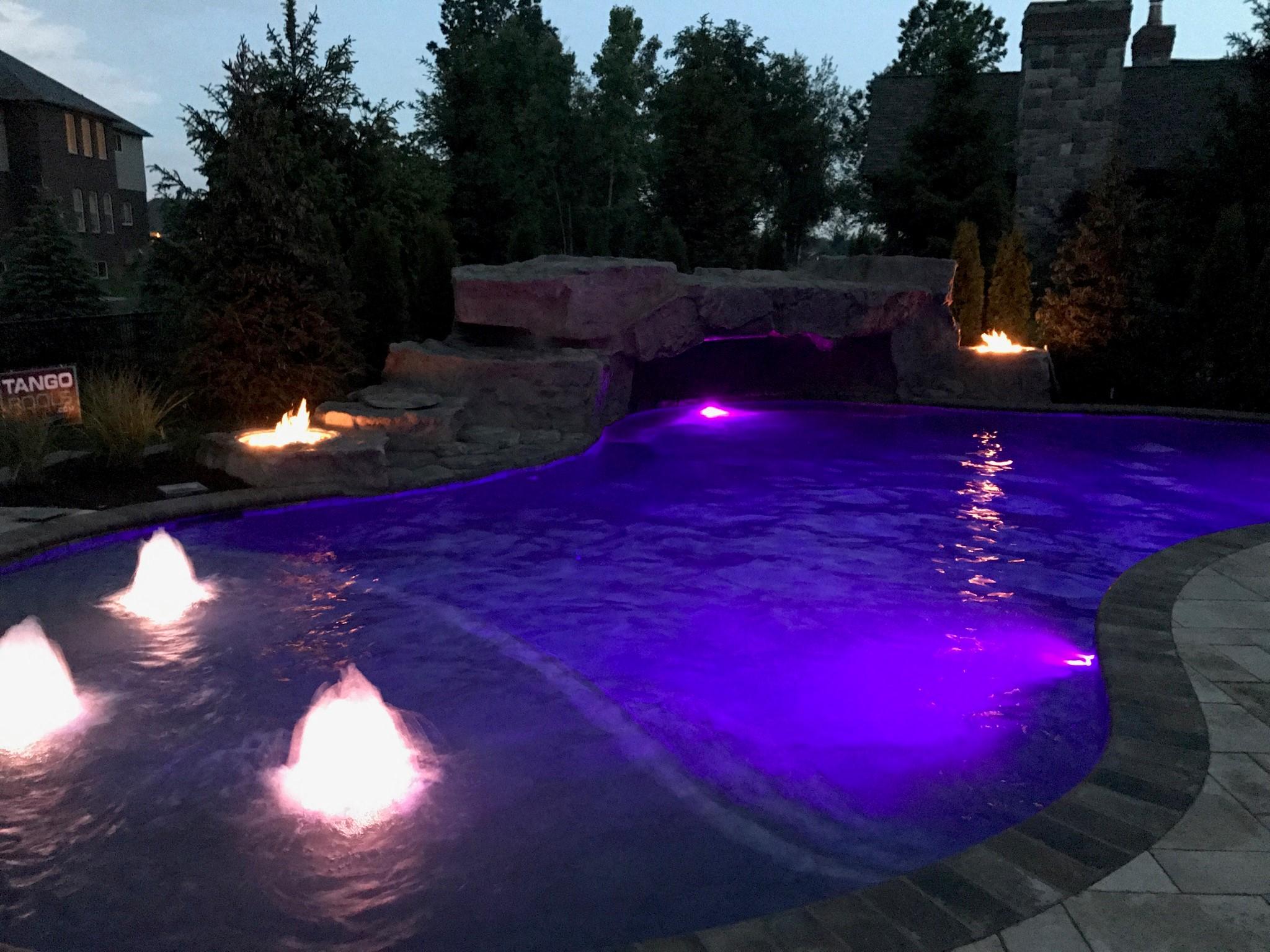 custom pool builder Mi